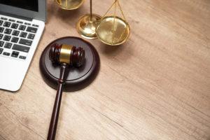 Que doivent comporter les mentions légales de mon site ?
